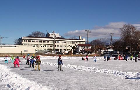 原小学校のスケートリンク